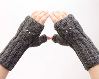 Fingerless owl gloves in beige,knitted gloves -  COLOR OPTION AVAILABLE