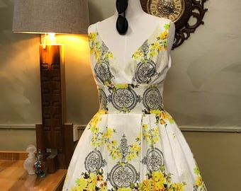 1950s Style Vintage Barkcloth Dress FABULOUS Print Medium