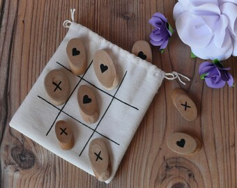 Details for wedding guests, tic tac toe