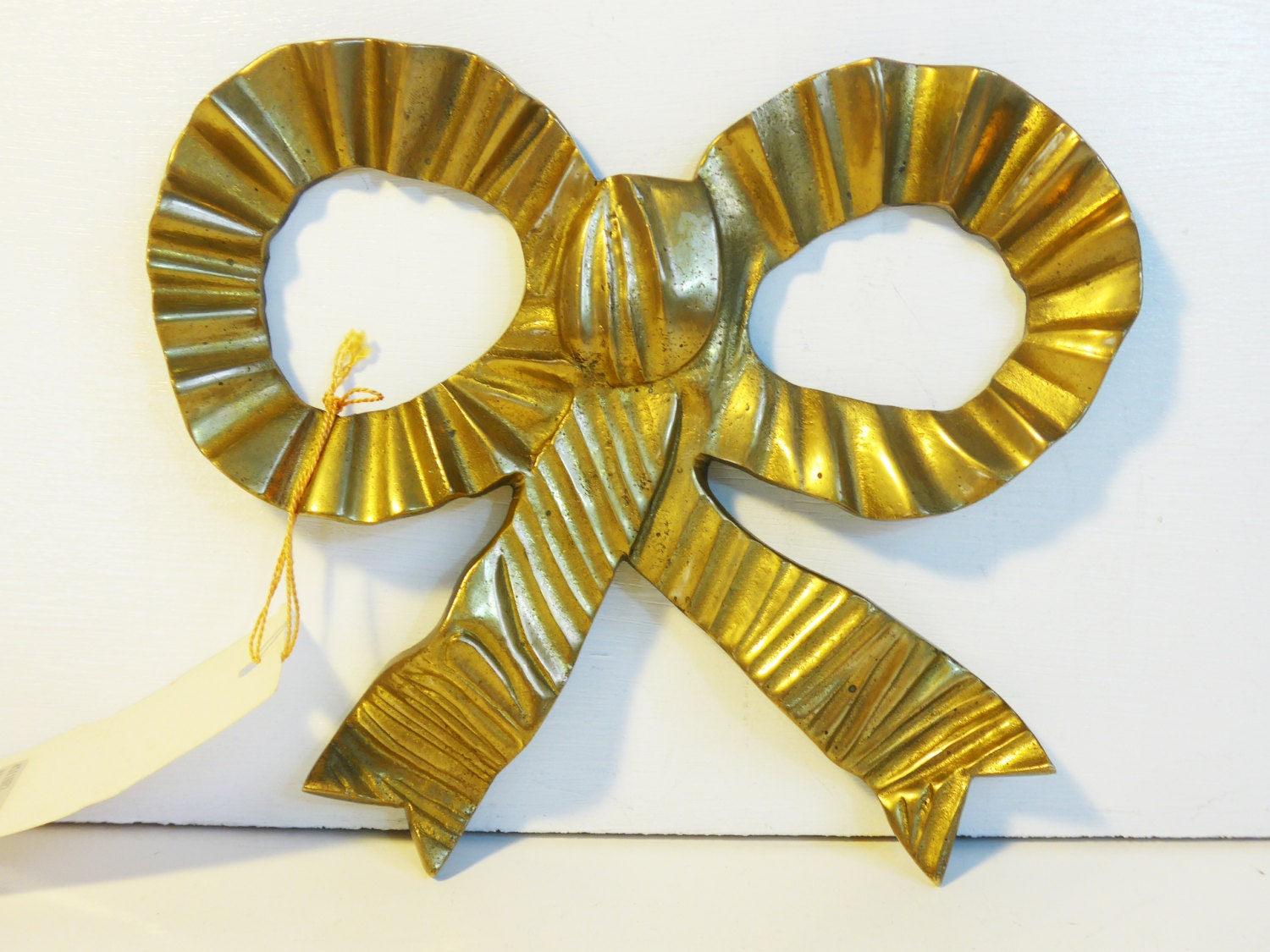 Vintage Brass Bow / Ribbon Wall Hanging - Large Retro Tied Brass Bow ...