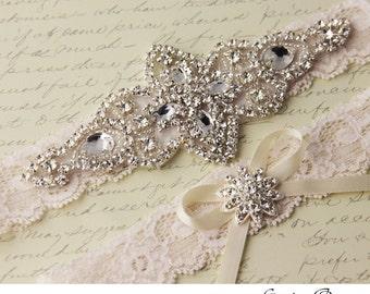 Ivory Bridal garter set, Lace Wedding Garter set, Rhinestone and Crystal Garters, White Lace Garter Set