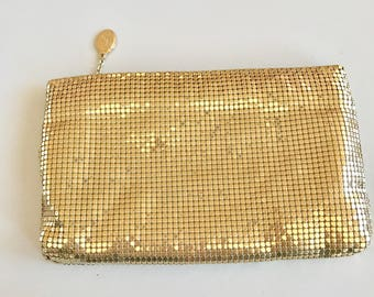 Vintage 80s Whiting and Davis Gold Mesh Clutch-Cute and elegant and ready to use
