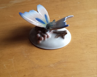 Rosenthal Bavaria Porcelain Butterfly. Vintage Rosenthal Detail and Quality. Signed Rosenthal Bavaria on Bottom. No Damage to this Piece.