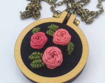 Mini Embroidery Hoop Necklace with Weaving Roses and Leaves Embroidery