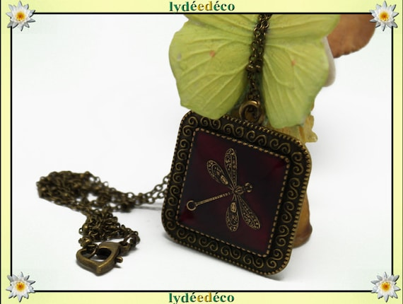 Necklace vintage retro Dragonfly purple polka dot retro resin and brass Locket 25mm Locket