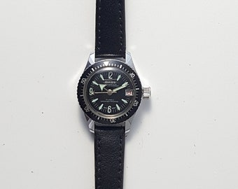 Vintage ladies SEAWATCH, SWISS made, dive style sport watch with rotating bezel, very good condition-----Serviced------