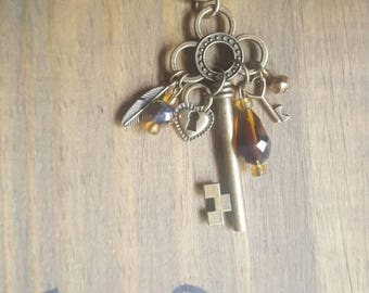 Skeleton key dangle keychain