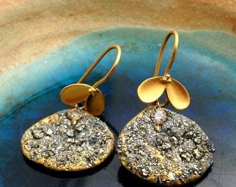 Rustic crushed Pyrite earrings,Crushed druzy jewelry,23k gold foil earring, Grey Dangle earring,OOAK handmade earring,Unique gift idea