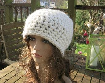 Crochet beret crochet has Lydia white