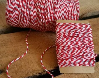String Baker Twine 10 meters of 1.5 mm white and red color.