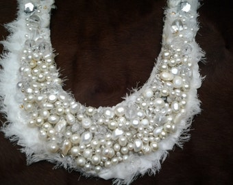 Plastron freshwater pearl necklace