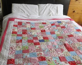 Beautiful handmade patchwork quilt - 5' x 5' (153cm x 153cm) approximate