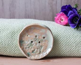 Small soap dish - ceramic soap dish with botanical ornament - clay soap dish - bathroom accessory - beige soap dish - green soap dish