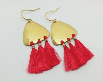 Tassel earrings. Gold tassel earrings. Gold  earrings. Red tassel earrings. Chandelier earrings. Boho earrings. Bohemian look.
