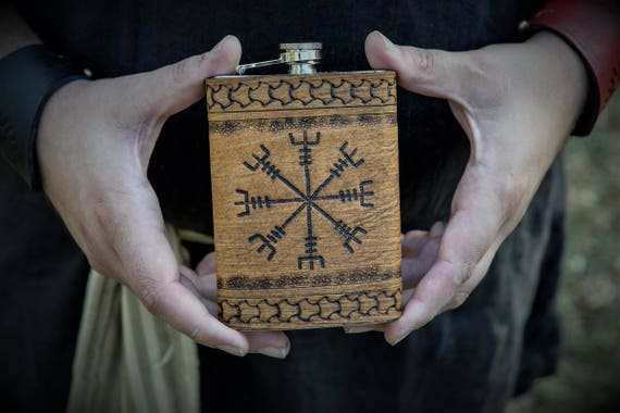 Viking Leather Flask - Ægishjálmr / Helm of Awe - 17th Century Icelandic Stave 8oz Flask