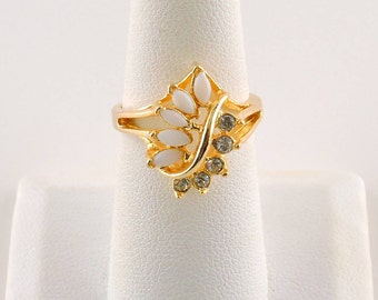 Size 7 Gold Tone Opalescent And Rhinestone Ring