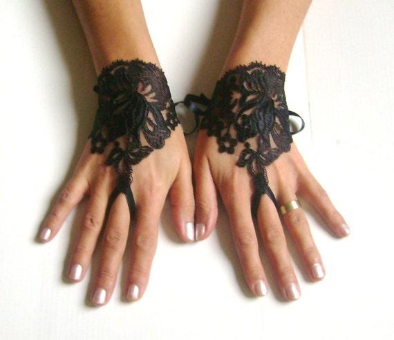 Black lace gloves  251