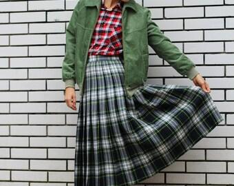 Vintage pleated tartan wool skirt/ Tartan skirt/ High waisted skirt/ Vintage skirt/ Midi skirt/ Green plaid skirt/ Medium Small size