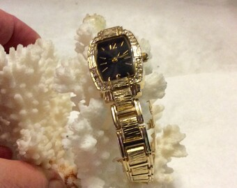 Vintage allude ladies wristwatch adjustable working. Free ship to US