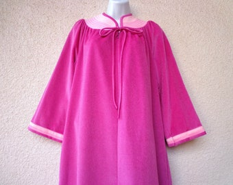 """1980s Velour ROBE. Lounge Gown. Vintage Housecoat. Zip Front Robe. Colorblock Trim. Bath Robe. Pink Robe. Long Robe. New with Tag! 44"""" Bust"""