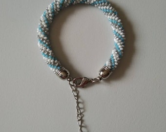 Bracelet seed beads, crocheted by hand.