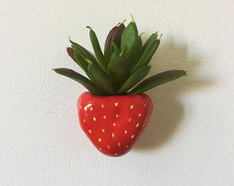 Strawberry Planter || Magnet || Handmade