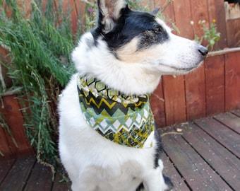 "Dog Bandana  Green Double Sided  Size Medium  - Cotton - Dog Scarf - Girl Dog Bandana Dog Apparel - Puppy Bandana  9"" by  30"""