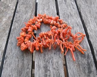 54g vintage mediterranean coral necklace