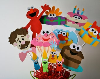 Elmo's World birthday centerpiece without a container, Elmo's World centerpiece, Elmo birthday