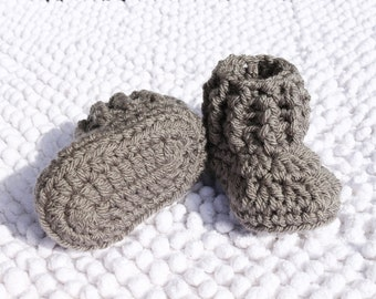 Toddler slippers Baby booties Crib shoes Crochet newborn Baby knit shoes Newborn booties Pregnancy reveal Grey booties Baby shower gift