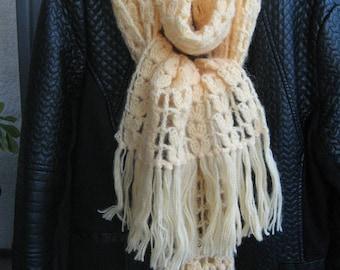 scarf crocheted with wool yarn and acrylic