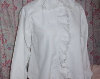 blouse, scalloped and lace, shabby decor
