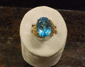 Extraodinary 10K Gold Topaz Ring