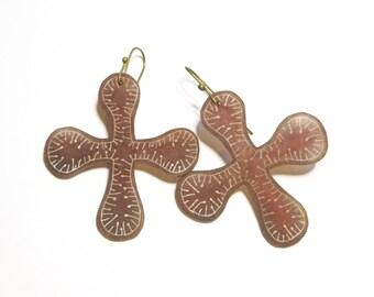 Red-brown cross earrings