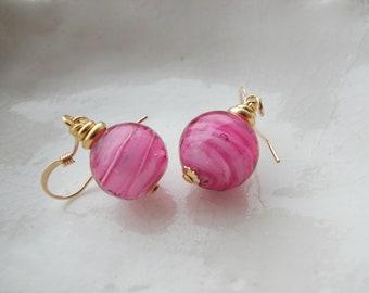 Petit verre de Murano rose boucles d'oreilles, boucles d'oreilles de 10mm