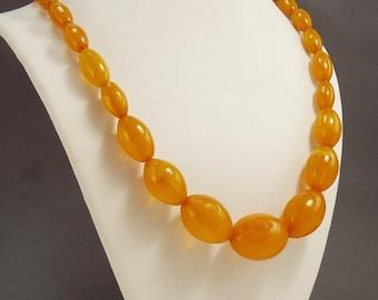 Vintage Butterscotch Amber Bakelite Necklace Graduated Beads