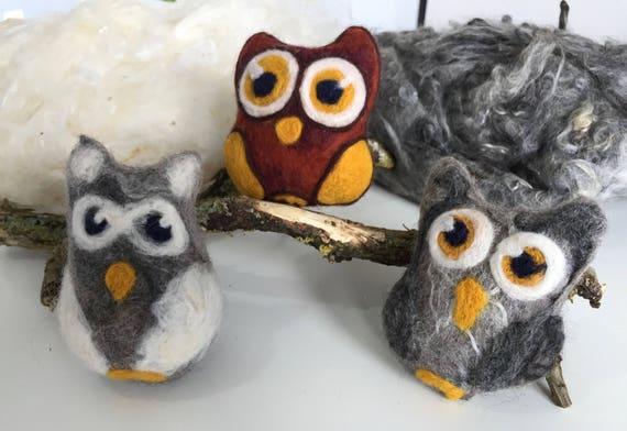 Felted owl sensory rattle toy, made of wool. This toy is super soft, absolute unique and suitable for babies. The olws are sold seperate..