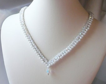 Woven Necklace Pearl V Style