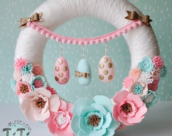 Pastel Easter wreath with  felt flowers & eggs, Easter garland, spring wreath, spring garland, felt wreath, Easter decoration, Easter eggs