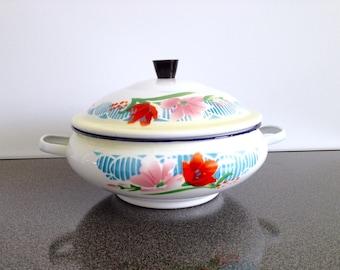 Bumper Harvest Enamelware, 21cm Enamel Casserole Dish, Vintage Chinese Enamelware, Floral Enamel Lidded Pot, Enamel Serving Dish