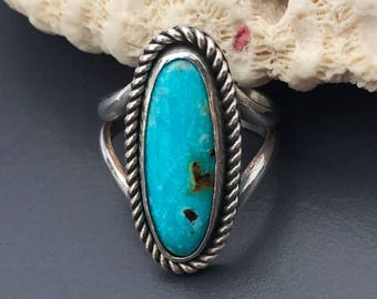 Kingman Turquoise Ring Size 6 1/2, Sterling Silver Bezel Set Silversmith Oval Blue Stone Boho Chic Solitaire Ring