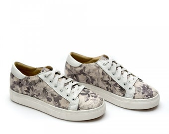 Women Grey Floral Genuine Leather Sneakers, 1609