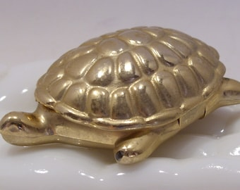 Avon Turtle Compact With Candid Solid Perfume Great Collectible
