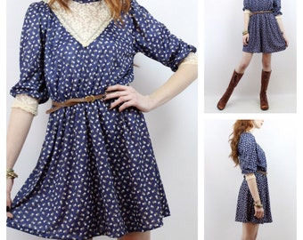 Vintage 80's Victoriana Navy Blue & Cream laced size 10 dress