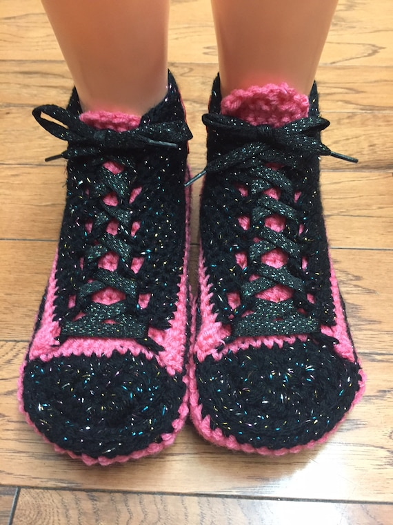 slippers tennis Womens crocheted 6 sneaker shoes Listing 361 shoes flower flower slippers pink black 8 sneakers Crocheted tennis slippers RYqF6w1qB