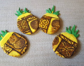Vintage Pineapple Potholders, Set of 4