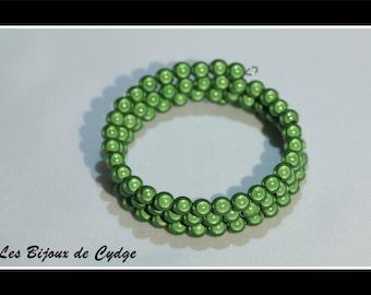 Green beaded bracelet magic on 3 rows of 55mm memory