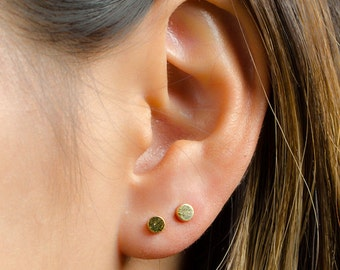 Dainty Dot Earrings, Sterling Silver, Gold Plated, Minimal Stud Earrings, Simple Silver Earrings, Lunaijewelry, Gift for her , STD007