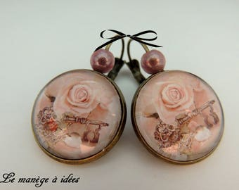 Earrings / sleeper/cabochon, brass, key to happiness, Baroque.