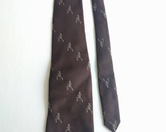 Vintage 70s tie runner jogger prince consort track and field jogging necktie novelty brown track and field sports golden clasp